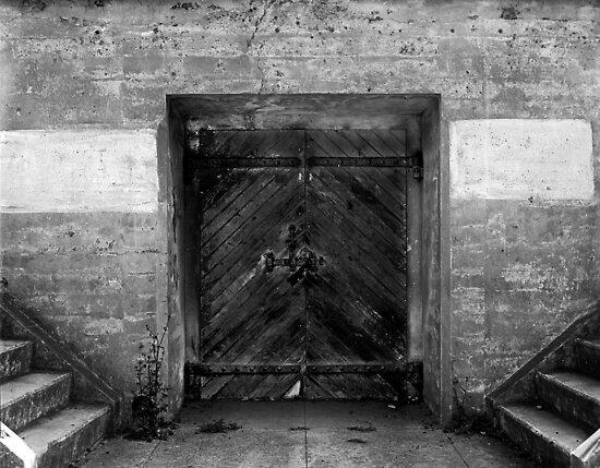 DO not enter! by Jeffrey  Sinnock