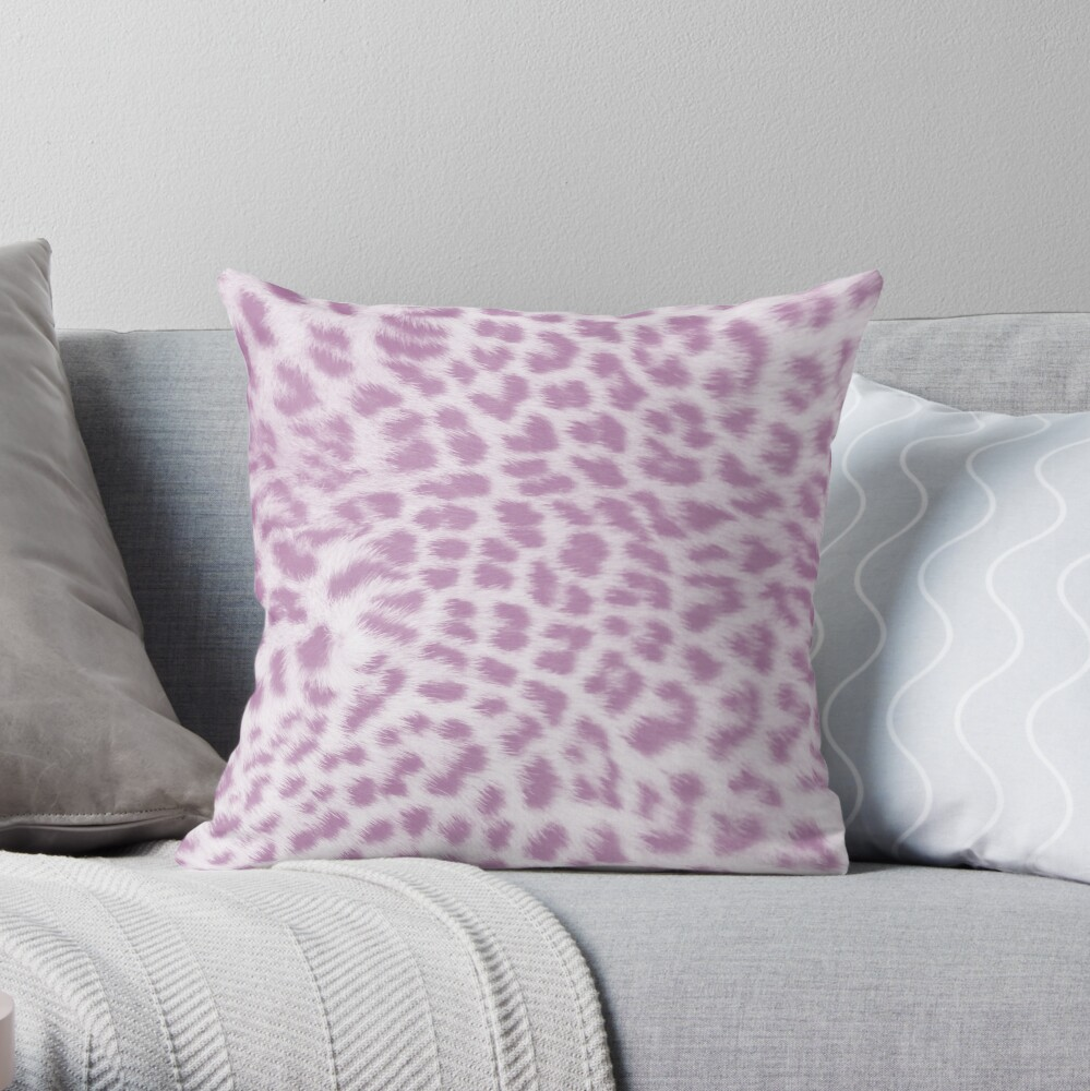 Lavender leopard print Throw Pillow
