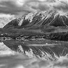 «Reflexiones del lago Tasman» de Charles Kosina