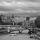 The River Seine in Black and White by randyharris