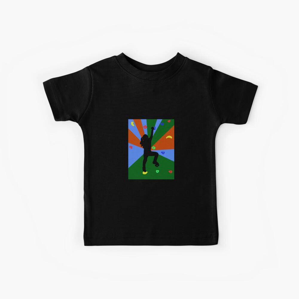 Frau am Bouldern mit vielen Griffen und Tritten Kinder T-Shirt
