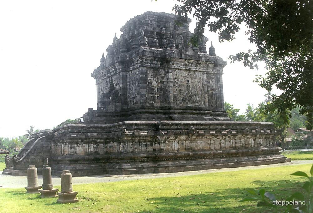 Mendut Buddhist temple by steppeland