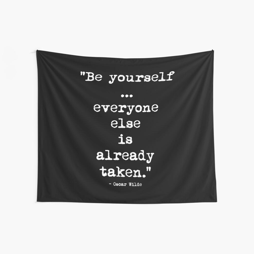 Oscar Wilde Be Yourself White Wandbehang