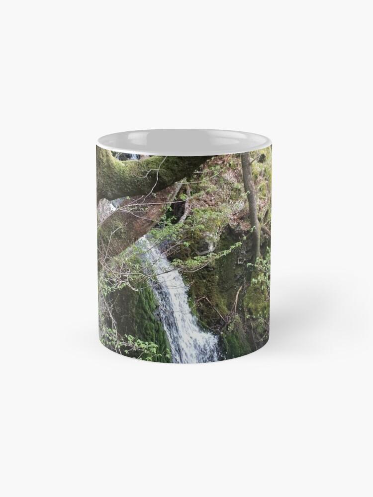 Alternative Ansicht von Wasserfall Szene Folie Tassen