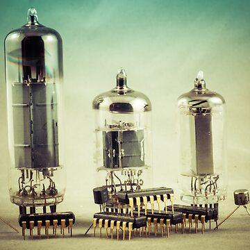 Electronica Tubes n Transistors  by taspaul