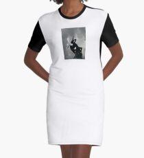Vestido camiseta La fuente del ángel caído