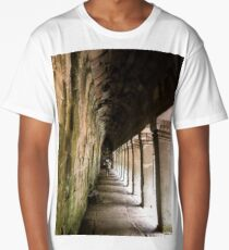 A passage in time Long T-Shirt