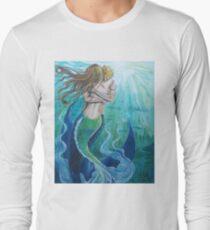 Meerjungfrauen in der Liebe Langarmshirt
