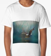 Eagle swooping for fish Long T-Shirt