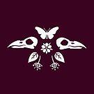 Crow Skulls und Schmetterlinge - dunkle Magenta von Johanna-Draws