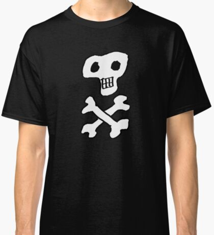 Skull and crossbones pattern in black and white Classic T-Shirt