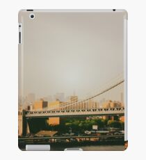 Vinilo o funda para iPad The Manhattan Bridge and the New York City Skyline at Sunset