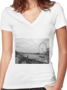 London Eye Loving Women's Fitted V-Neck T-Shirt