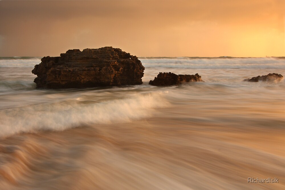 Golden Waves by RichardIsik