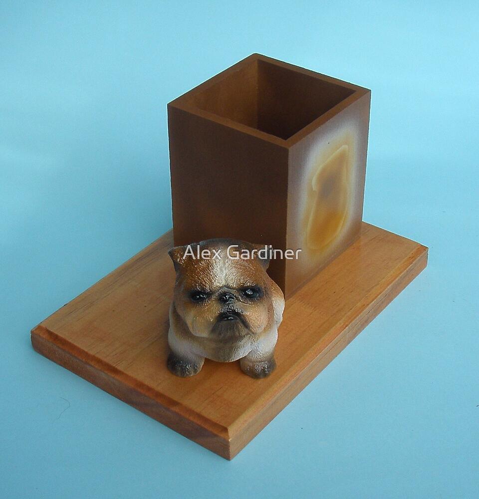 Bulldog desk tidy. by Alex Gardiner