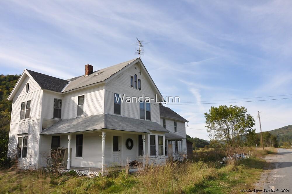 Old White house by Wanda-Lynn