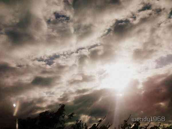 Drama in the sky by wendy1968
