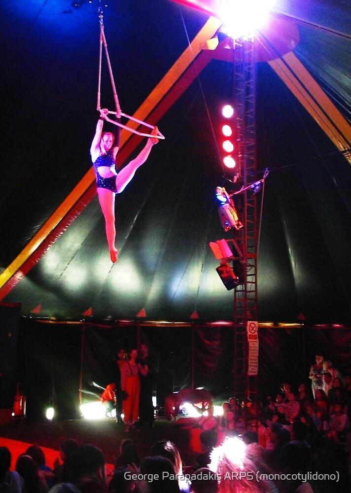When circus came to town... by George Parapadakis (monocotylidono)