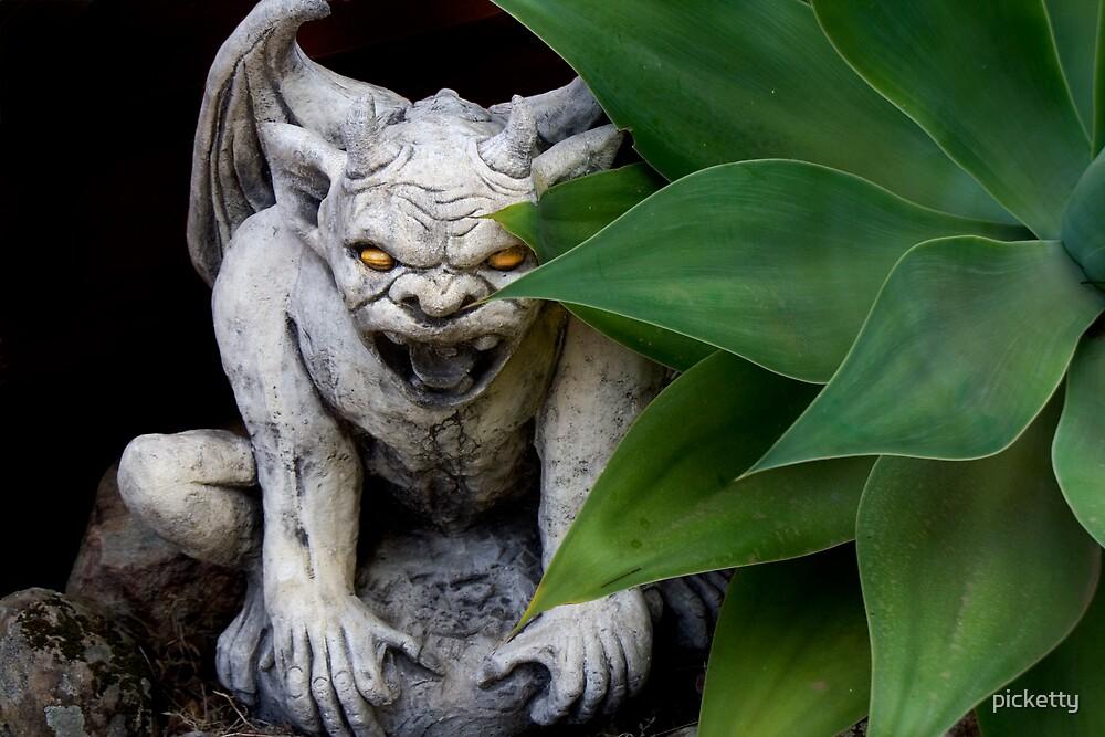 garden guardian by picketty