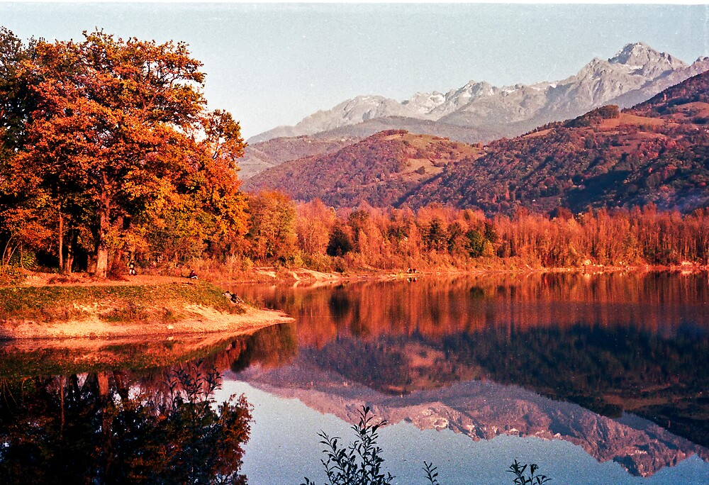 Mountain Reflection by Pascal and Isabella Inard