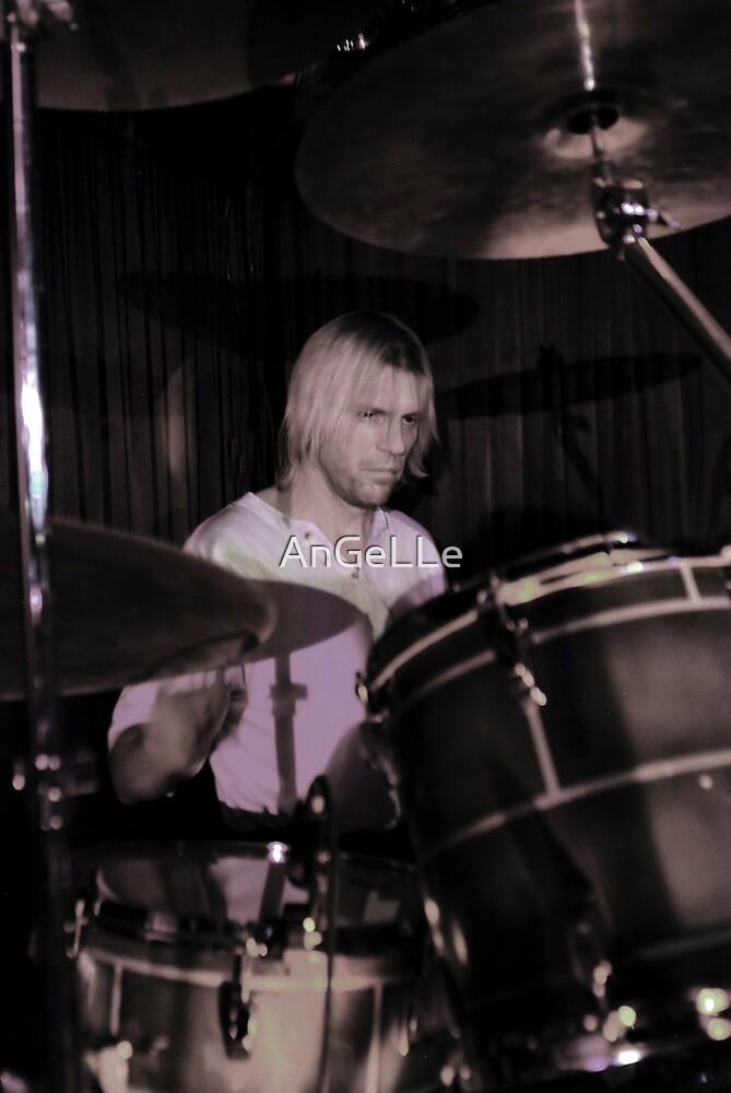 ~~Drum'R~~ by AnGeLLe