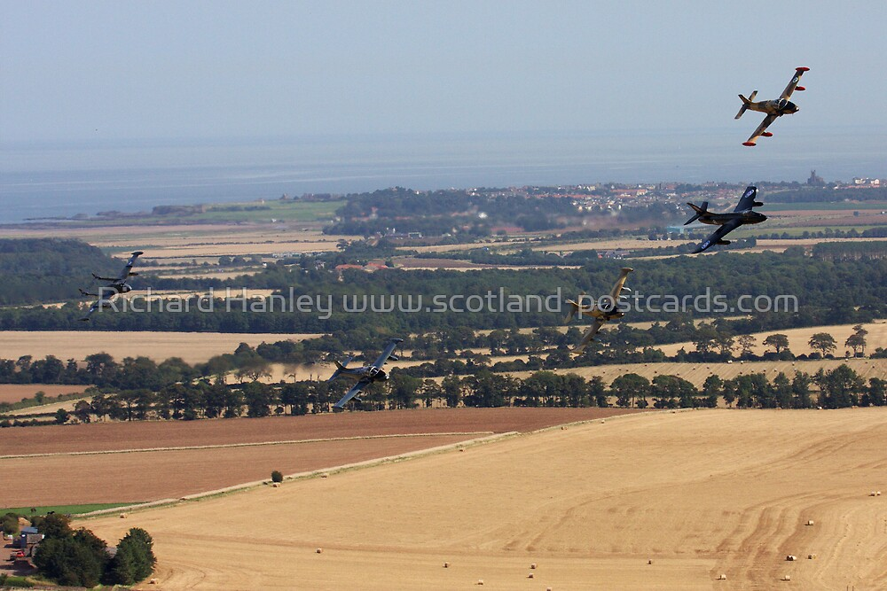 Low Level Venom, Strikemaster, Hunter and Jet Provost by Richard Hanley www.scotland-postcards.com