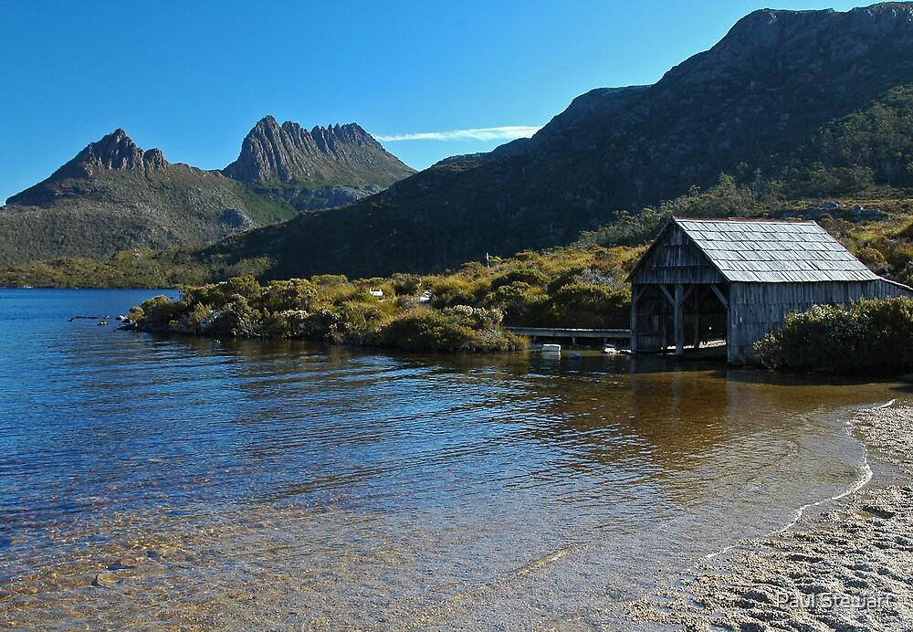 Cradle Mt from Dove Lake, TASMANIA. by Paul Stewart