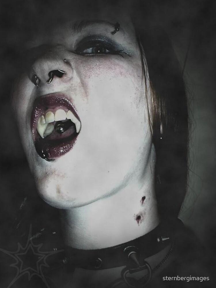 Vampiress by sternbergimages