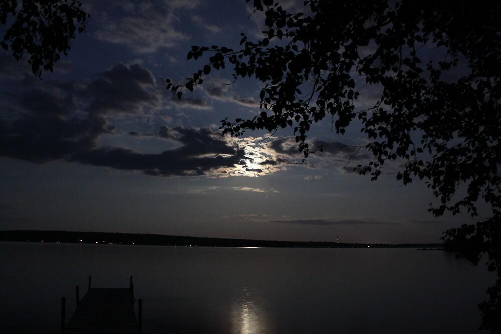 Moon Lake by NeNe55