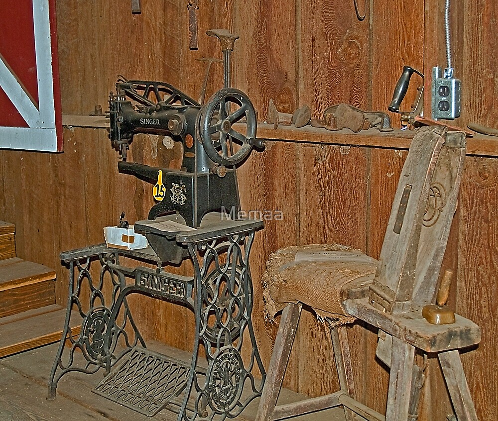 Antique Singer Sewing Machine by Memaa