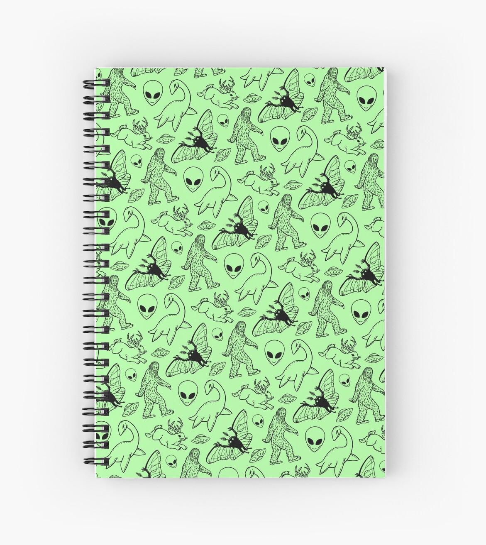 Cryptid-Muster (grüner Hintergrund) von Diane LeonardArt