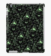Cryptid Pattern (Green Lines) iPad Case/Skin