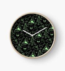 Cryptid-Muster (grüne Linien) Uhr