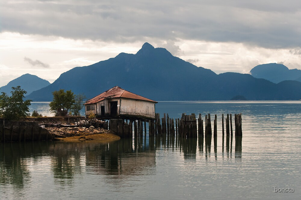Boat house in Howe Sound by bonsta