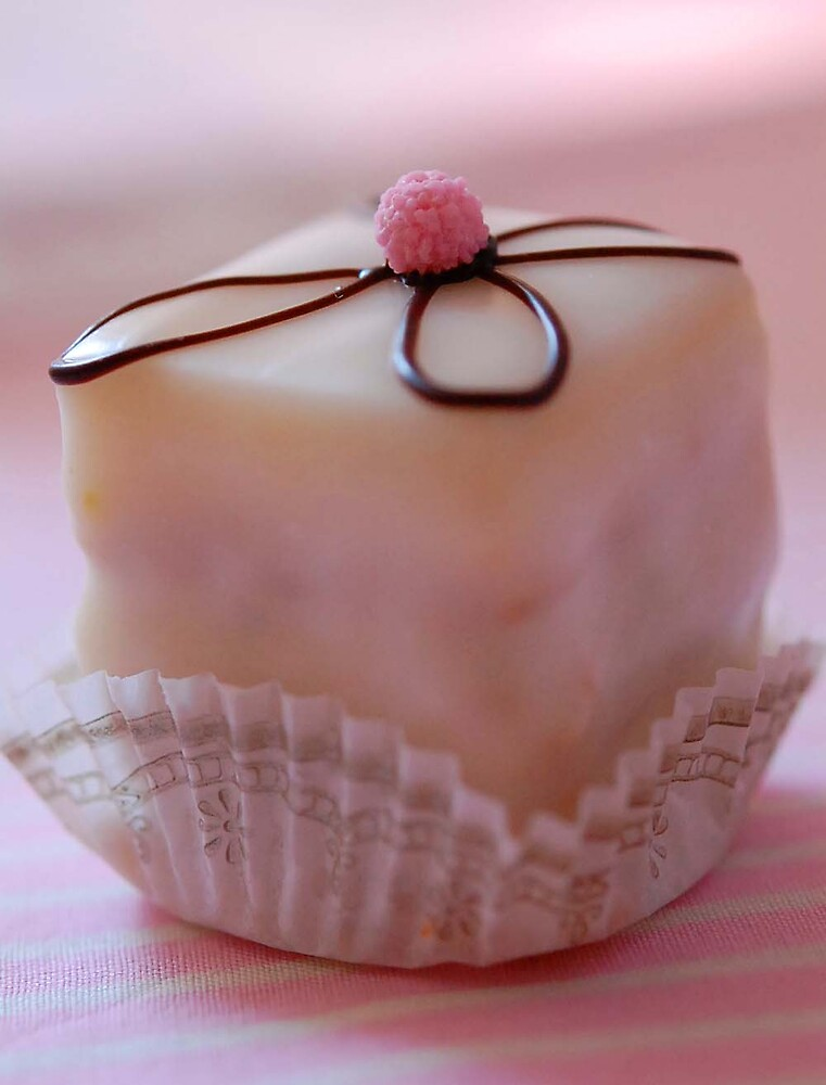 Petit Four: Pink and White (Eye)Candy by Demoiselle