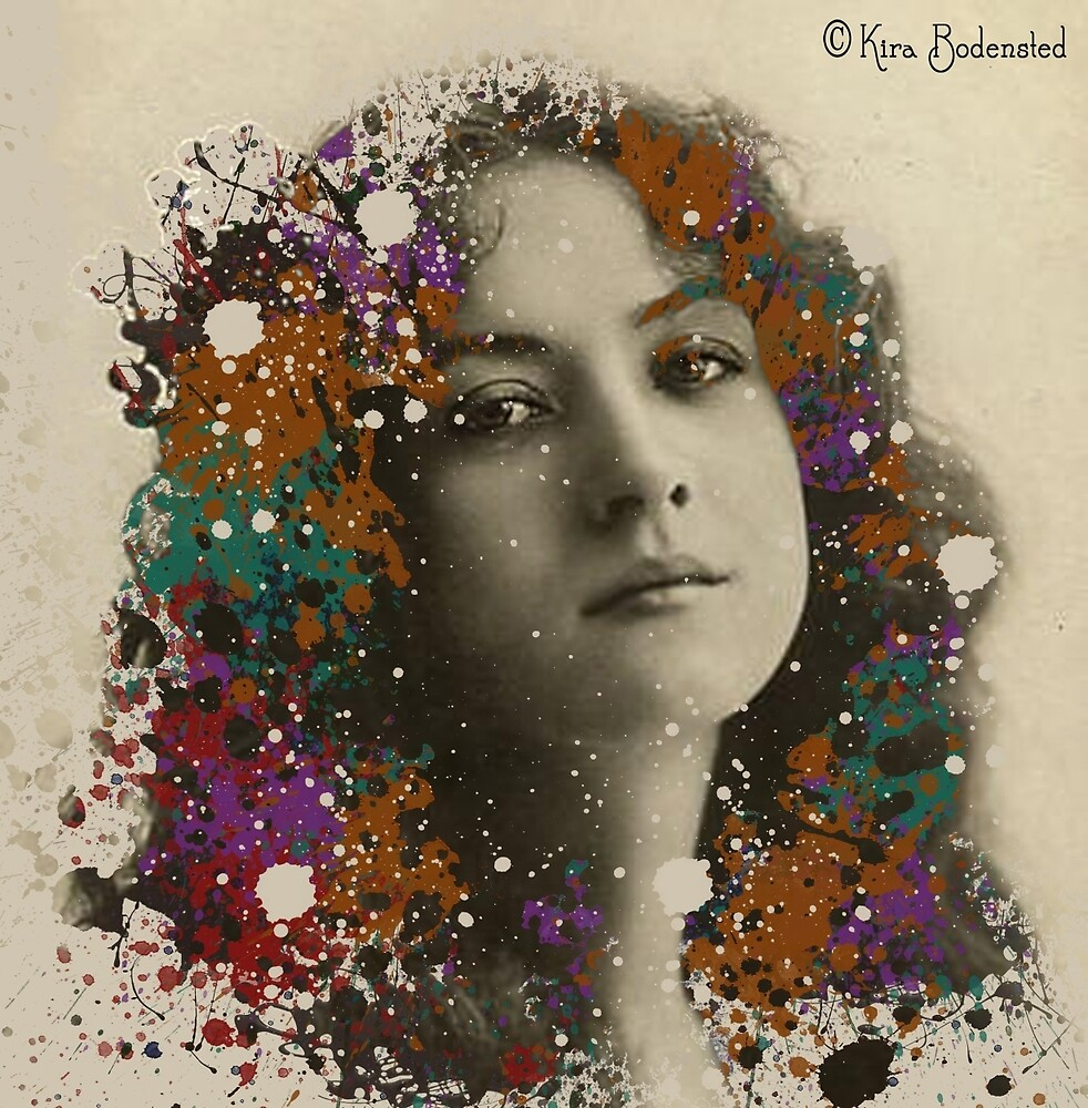 Vintage Lady with a new hair-do by © Kira Bodensted