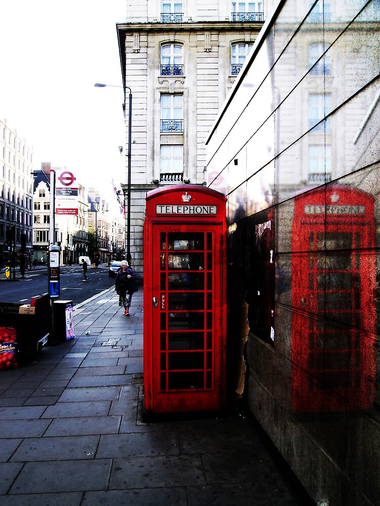 London Phone box by Kyle Lord