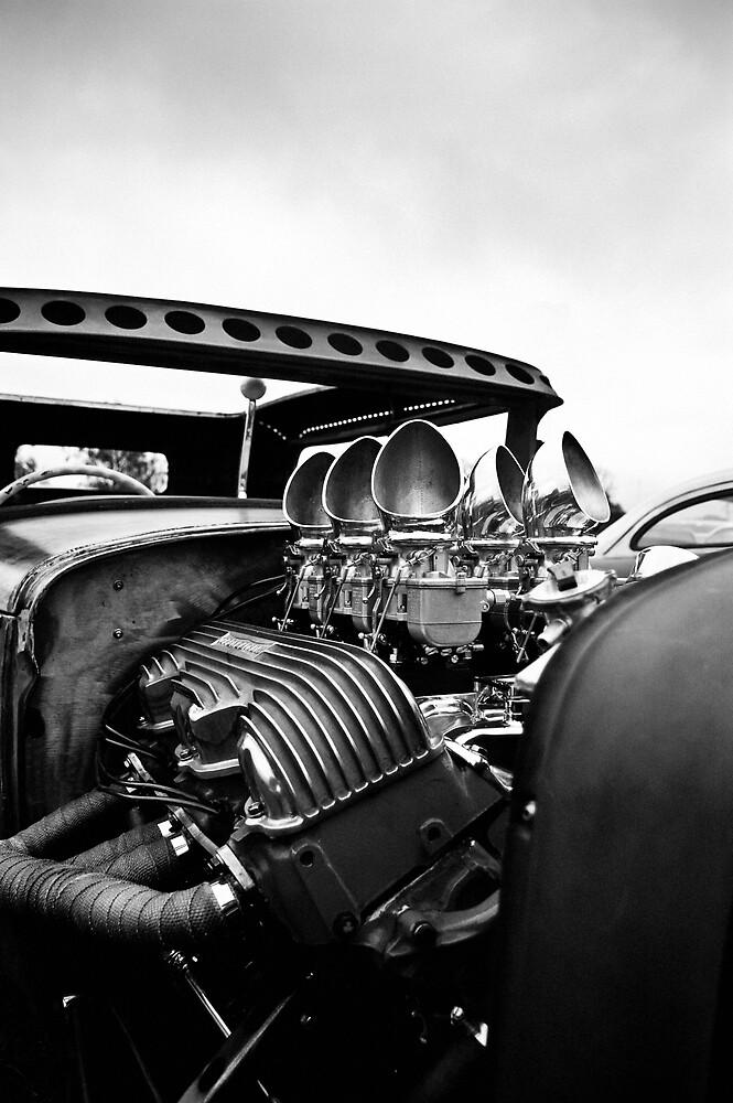 'Multi Carb Heaven' Chopped Rod & Kustom show '09 by John Haig