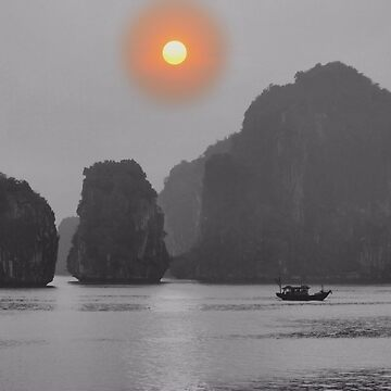 Morning Mist in Ha Long Bay, Vietnam by gigges