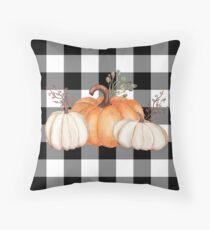 Herbst Halloween Pumpkins auf schwarz und weiß Buffalo Check Dekokissen