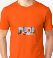 Swedish Chef makes Thanksgiving Dinner Unisex T-Shirt