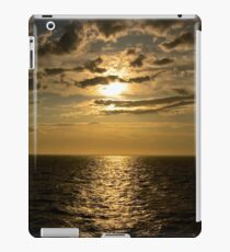 Sunset by the Ocean iPad Case/Skin