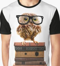 Adorable Nerdy Owl with Glasses on Books Graphic T-Shirt
