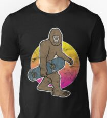 Bigfoot Skater Skating Myth Skateboard Unisex T-Shirt