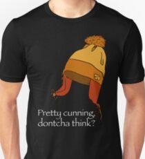 pretty cunning dontcha think? - black T-Shirt