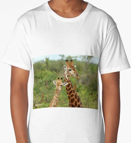 THE HAPPY COUPLE - GIRAFFE – Giraffa Camelopardalis Long T-Shirt
