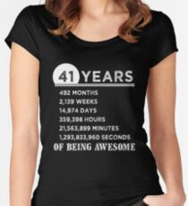 Camiseta entallada de cuello redondo 41.o Regalos de cumpleaños 41 años de ser impresionante