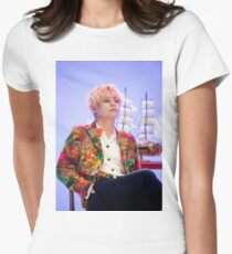 Taehyung BTS Tailliertes T-Shirt