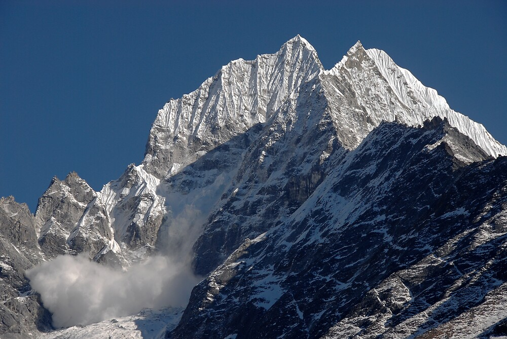 Avalanche on Thamserku by Richard  Stanley