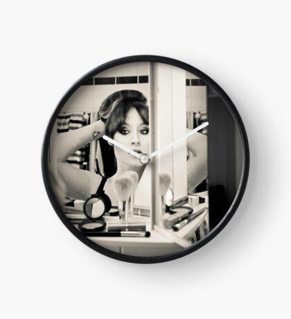 Tux in the Mirror Clock